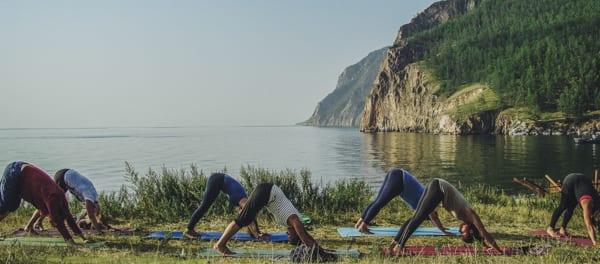 Yoga am Baikalsee