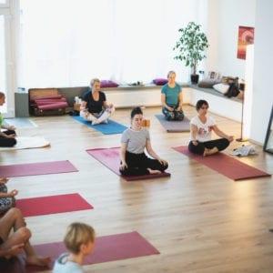 Yoga Kompakt Kurs – Atemübungen und Meditation für mehr Gelassenheit (Do., 05.09 – 24.10.2019)