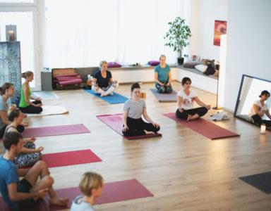 Yoga Kompakt Einsteiger Kurs teil 2 Duisburg Yoagna Yogastudio