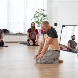 Extra Yoga Klasse – Mudras und Bandhas – energetische Verschlüsse (mit Jens, am Sa. 08.02.20)